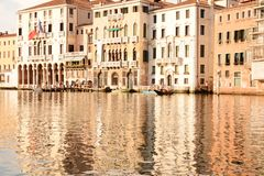 Venedig i varma toner royaltyfri bild