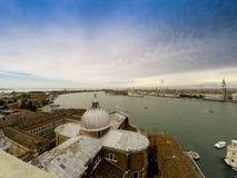 Venedig ingång till Grand Canal & porten Arkivbild
