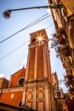 VENEDIG, ITALIEN - 18. AUGUST 2016: Berühmte Architekturmonumente und bunte Fassaden der alten mittelalterlichen Gebäudenahaufnah Stockfotos