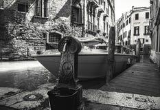 VENEDIG ITALIEN - AUGUSTI 19, 2016: Berömd forntida pir i Venedig, Italien närbild på Augusti 19, 2016 i Venedig, Italien Arkivfoto