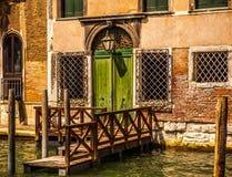 VENEDIG ITALIEN - AUGUSTI 19, 2016: Berömd forntida pir i Venedig, Italien närbild på Augusti 19, 2016 i Venedig, Italien Royaltyfria Foton