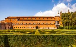 VENEDIG ITALIEN - AUGUSTI 20, 2016: Berömda arkitektoniska monument och fasader av den gamla medeltida byggnadsSan Giorgio Maggio Royaltyfria Foton