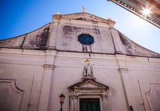 VENEDIG ITALIEN - AUGUSTI 20, 2016: Berömda arkitektoniska monument och religiontecken av den medeltida byggnadsnärbilden för gam Arkivfoton