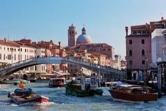 Venedig, Italien. Eine Brücke über Grand Canal Stockfoto