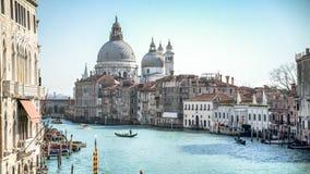 Venedig Italien - Februari 17, 2015: San Giorgio Maggiore och storslagen kanal av Venedig Royaltyfri Bild