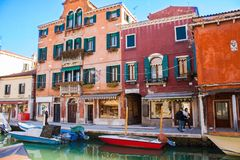 Venedig Italien, Februari 14, 2017 Venedig stad av Italien Sikt på den Murano ön venetian liggande Royaltyfria Foton