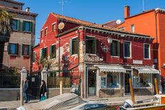 Venedig Italien, Februari 14, 2017 Venedig stad av Italien Sikt på den Murano ön venetian liggande Royaltyfri Fotografi