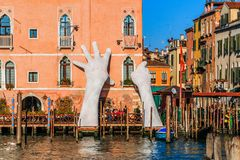 Venedig, Italien Grand Canal, monumentale Skulptur lizenzfreie stockfotografie