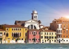 Venedig Italien Helle alte Häuser Kanal groß Stockfoto
