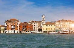 Venedig Italien Helle alte Häuser Kanal groß Stockfotos
