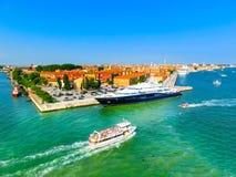 Venedig Italien - Juni 06, 2015: Kryssningport Royaltyfri Bild