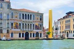 VENEDIG, ITALIEN - MAI 2017: James Lee-byars 20 Meter-hoch Lizenzfreie Stockfotos