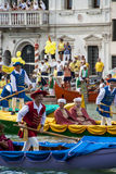VENEDIG, ITALIEN - 7. SEPTEMBER 2008: Historische Schiffe öffnen das Regata Storica, wird gehalten jedes Jahr am ersten Sonntag i Lizenzfreie Stockfotografie
