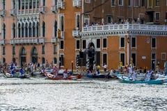 VENEDIG ITALIEN - SEPTEMBER 07, 2008: Historiska skepp öppnar Regataen Storica, rymms varje år på den första Söndagen i September Royaltyfri Fotografi