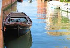 20 06 2017 Venedig, Italien: Sikt av historiska byggnader och kanaler Royaltyfria Bilder