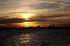 Venedig, Italien, Sonnenuntergang in Venedig, weg von Venedig stockbild