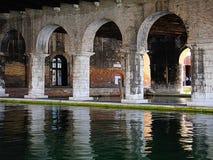 Venedig Italien - stor skeppsdocka stora Darsena, inre för arsenal Arkivbild