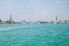 Venedig, Italien, 2016, Straßenansicht Alte Stadt und Boote Es ` s ein tra Lizenzfreie Stockfotografie
