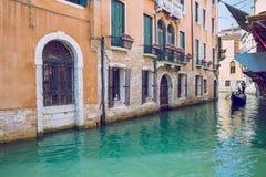 Venedig, Italien, 2016, Straßenansicht Alte Stadt und Boote Es ` s ein tra Lizenzfreies Stockbild
