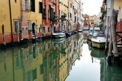 Venedig, Italien - szenische Ansicht des venetianischen Kanals Lizenzfreie Stockbilder