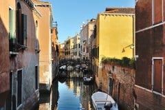 Venedig, Italien - szenische Ansicht des venetianischen Kanals Lizenzfreies Stockbild