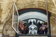 VENEDIG, ITALY/EUROPE - 12. OKTOBER: Ventian-Masken in einem Fenster herein Lizenzfreies Stockbild
