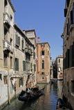 Venedig, Kanal mit Gondel Stock Image