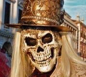Venedig-Karneval, Porträt einer Maske, während des venetianischen Karnevals in der ganzen Stadt dort sind wunderbare Masken stockbilder
