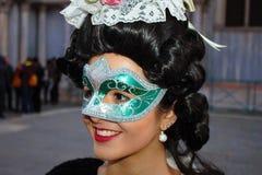 Venedig-Karneval, Porträt einer Maske, während des venetianischen Karnevals in der ganzen Stadt dort sind wunderbare Masken lizenzfreie stockbilder