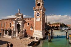 Venedig klockatorn av arsenalen, solur Arkivfoton