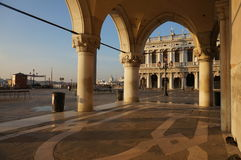 Venedig kolonnad Royaltyfria Foton