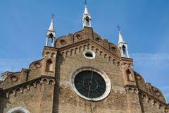 Venedig kyrka av Frarien royaltyfria bilder