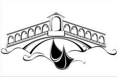 Venedig landskap med gondolfartyget och överbryggar Fotografering för Bildbyråer