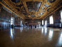 Venedig - Oktober 04: Bred vinkelsikt på Palazzo Ducale på Oktober 04, 2017 i Venedig Fotografering för Bildbyråer