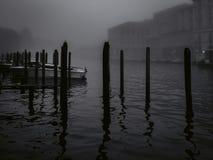 Venedig på en dimmig November morgon arkivfoto