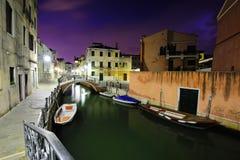 Venedig på natten Fotografering för Bildbyråer