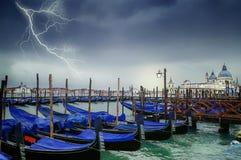 Venedig-` s Lagune am Eingang zu Grand Canal während Regens a Stockfotos