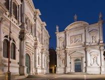 Venedig - Scuola Stor di San Rocco och kyrka Chiesa San Rocco Royaltyfri Fotografi