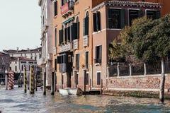 Venedig staden i lopp för Italien Europa Venezia vattenbro arkivfoton