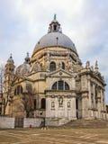 Venedig storslagen kanal, basilika Santa Maria della Salute i Venedig, arkivfoto