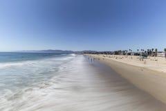 Venedig strand Kalifornien med vatten för rörelsesuddighet Royaltyfri Bild
