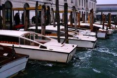 Venedig-Wassertaxi Stockbild