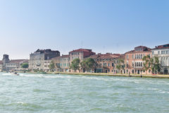 Venedig, Weg entlang dem großartigen Kanal Stockbild