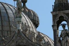 Venetië, Basilica Di San Marco, detail van de koepels stock foto's