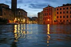 Venetië bij schemer stock foto