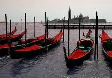 Venetië: De Gondels van de hartstocht Stock Afbeeldingen
