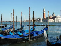 Venetië. De lente. Gondels. Stock Foto's