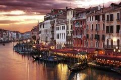 Venetië Grand Canal bij nacht Stock Afbeeldingen
