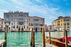 Venetië Grand Canal op een zonnige dag stock foto