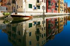 Venetië, Italië - Augustus 14, 2017: Het kanaal van Venetië met boten en klassieke gebouwen Royalty-vrije Stock Foto's